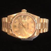 68278 18ct yellow gold Rolex Mid Size